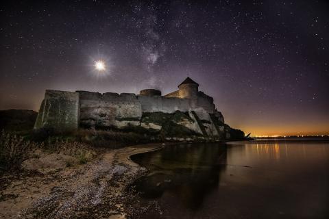 Аккерманська фортеця в ночному сяйві