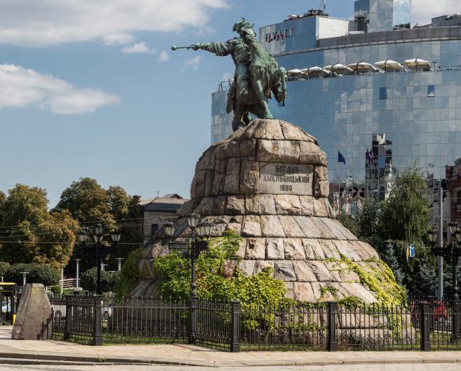 Памятник Богданові Хмельницькому - Київ