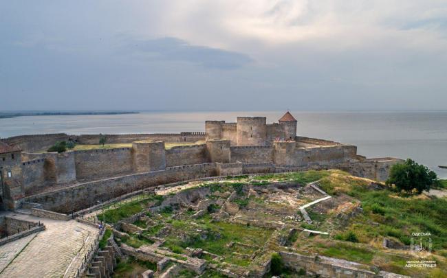 Аккерманська фортеця в довж стін